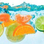 Панель на кухню фрукты на воде